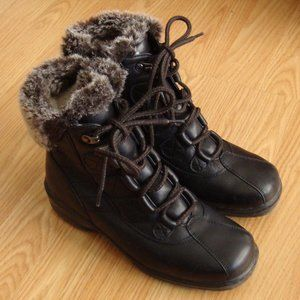 Blondo Wool-Lined Waterproof Leather Boots Size 7